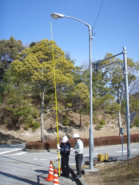 照明灯支柱の傾き測定